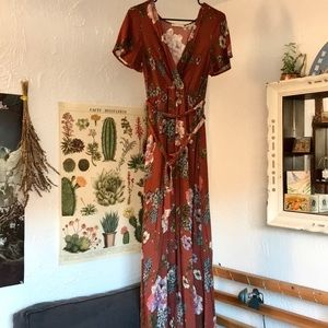 Floral maxi dress size small